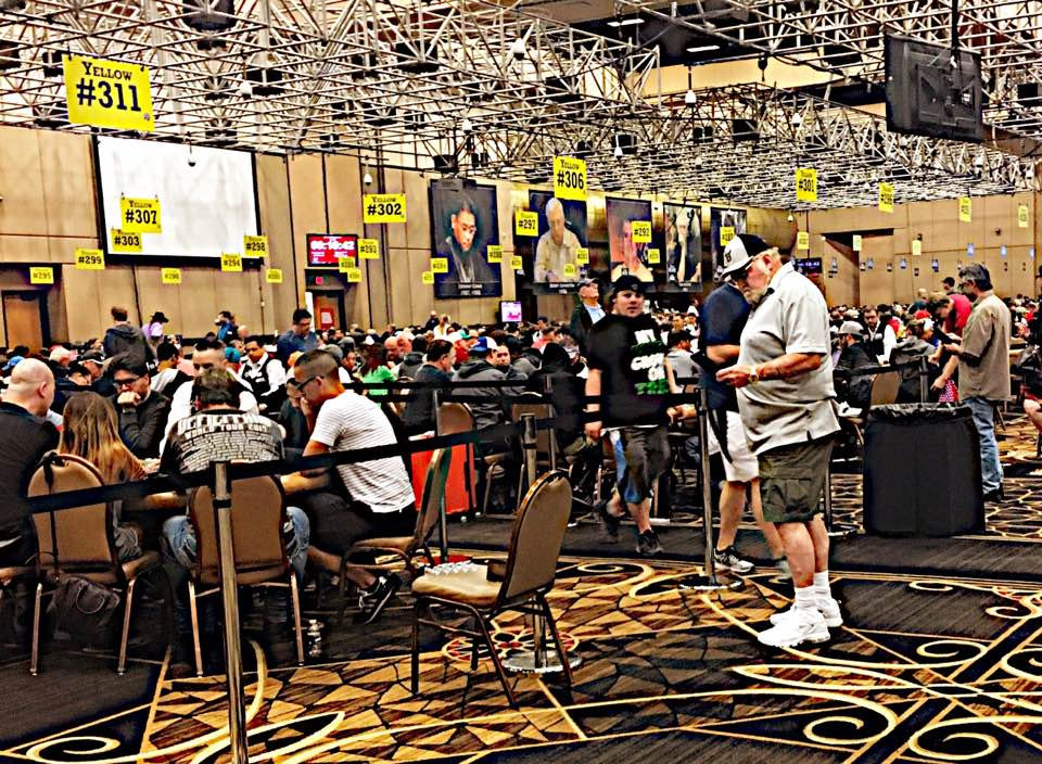 World Series of Poker record tournament entries